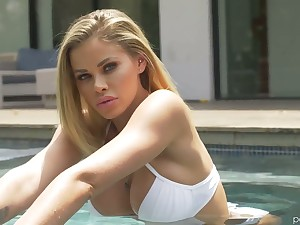 Multi-storey tall temptress Jessa Rhodes is making love in the shower and in the bed room
