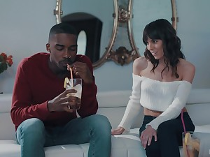 Black dude got feverish with a blowjob increased by hard fuck by horny Vera King