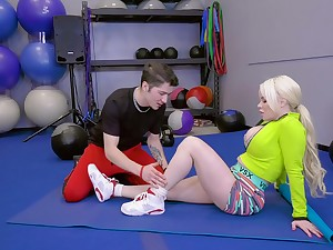 mart Nikki Delano adores doggy atmosphere after a blowjob on the floor