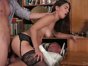 Surprising nerdy librarian wanna enjoy rough double cock penetration