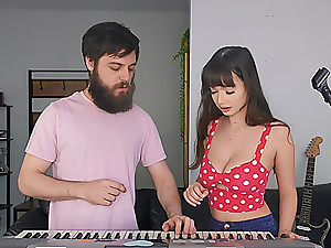 Jessica Makes Music